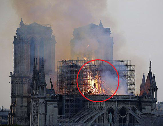 Woman claims to spot Jesus in Notre Dame fire