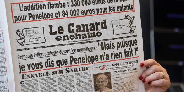 """Le Canard Enchaîné du 1er février 2017 révélant les suites du """"Penelope Gate""""."""