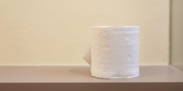 Porta a casa 884 rotoli di carta igienica, vigile a processo