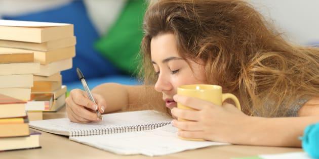 Avant le bac 2018, 3 conseils concrets pour améliorer le sommeil des adolescents.