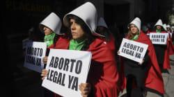 Tomar la calle, último cartucho de las argentinas para impedir que el Senado tumbe la legalización del