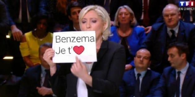 Au grand débat de la présidentielle sur TF1, Marine Le Pen n'aurait pas dû brandir une feuille