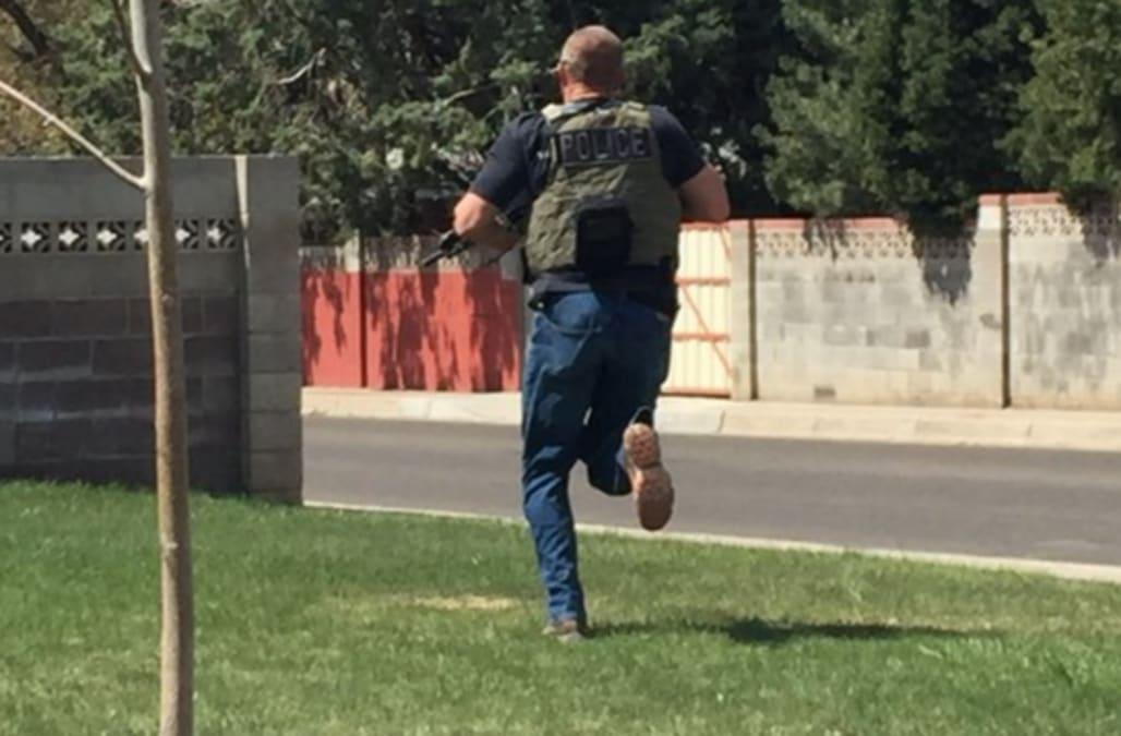 Reports 2 Dead In Albuquerque Restaurant Shooting Aol News