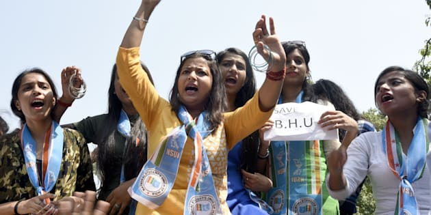 Activists of NSUI protest against the Centre and the UP Government against the brutal lathicharge in BHU campus. (Photo by Sonu Mehta/Hindustan Times via Getty Images)