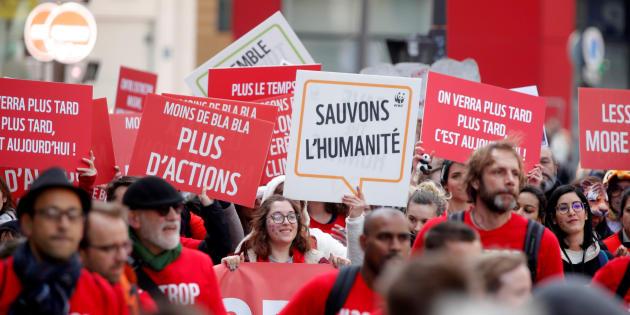 Marche du siècle: des milliers de manifestants à Paris et partout en France.