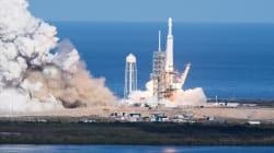 Les touristes qui doivent voler autour de la Lune avec SpaceX forcés de