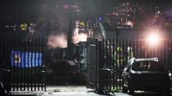 Tragedia per il Leicester, si schianta fuori lo stadio l'elicottero del padrone, Vichai