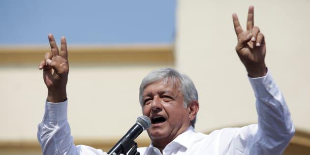 El candidato izquierdista Andrés Manuel López Obrador de Morena se dirige a los partidarios durante una manifestación de campaña en el municipio de Guadalupe, en Monterrey.