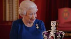 Elizabeth II révèle les secrets de son couronnement (et ce que ça fait de porter une couronne d'un