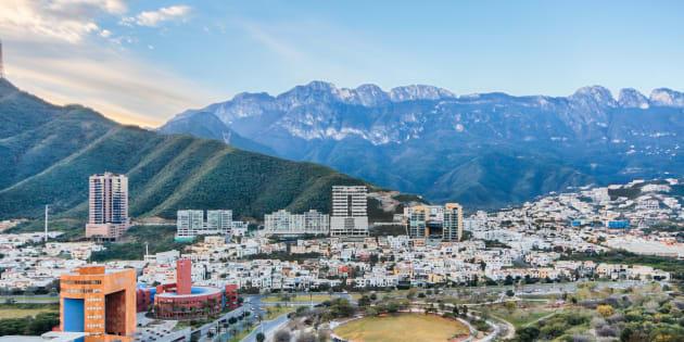 La Sierra Madre Oriental con su 'M' es el escenario del municipio de San Pedro Garza García.