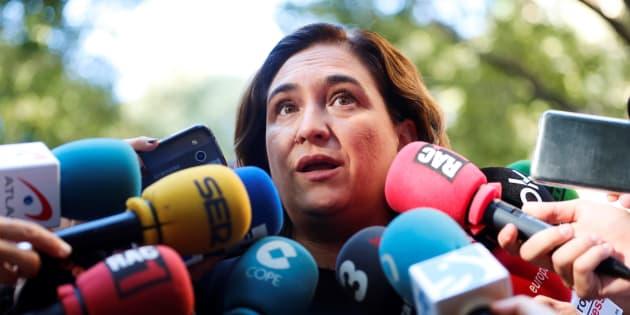 La alcaldesa de Barcelona, Ada Colau, atendiendo a los medios el pasado 11 de septiembre, en el acto de la Diada de Cataluña celebrado en la Ciudad Condal.