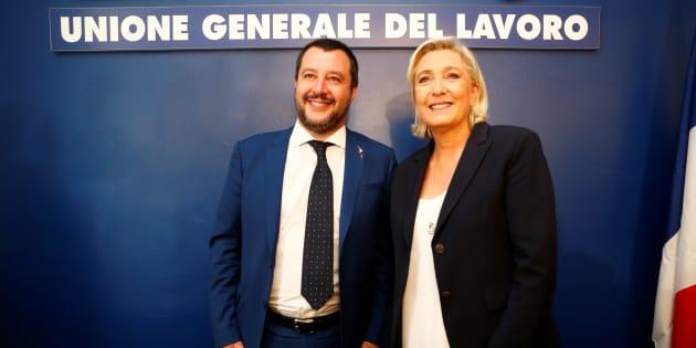 """Le tandem Le Pen-Salvini rêve de réécrire"""" l'histoire avec un grand H"""" aux élections européennes."""