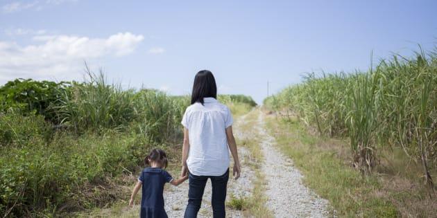 沖縄には深刻な貧困が存在する。人々の生活苦が止まらないのはなぜなのか。現地で生の声を聞くと、本土からはわからない実態が見えてきた(画像はイメージ)