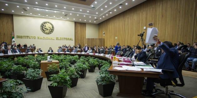Horacio Duarte, representante de Morena, durante la sesión ordinaria del Consejo General del Instituto Nacional Electoral.