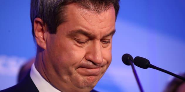 Le ministre-président de Bavière Markus Soeder, issu de la CSU, réagit aux résultats des régionales ce dimanche 14 octobre au soir.