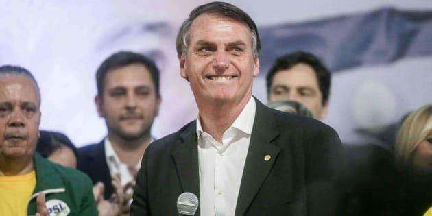 Jair Bolsonaro defende um ajuste fiscal rigoroso para a retomada do crescimento econômico.