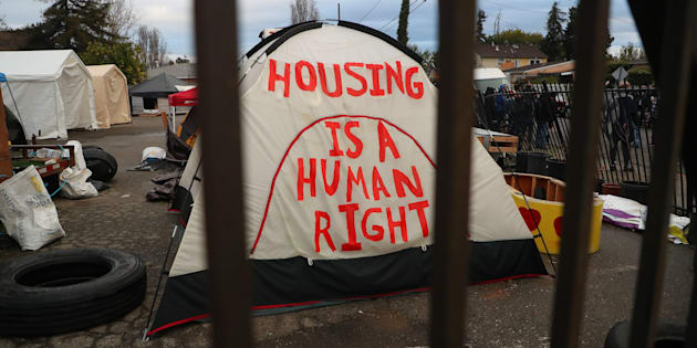 """""""Tener una casa es un derecho humano""""."""