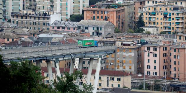 Gênes: ce camionneur engagé sur le pont Morandi a échappé de très peu à l'effondrement