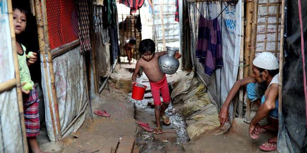 Le Bangladesh a dû faire face à une arrivée massive de réfugiés Rohingyas. Le plus grand camp de réfugiés du monde s'y trouve désormais, un demi-million de personnes.