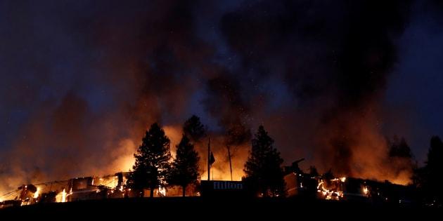 As chamas também atingem os condados de Napa e Sonoma, no coração da região produtora de vinhos da Califórnia.
