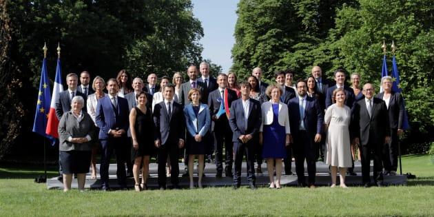 Gouvernement Philippe II: derrière la photo officielle, des tensions entre les journalistes et la com' de l'Élysée