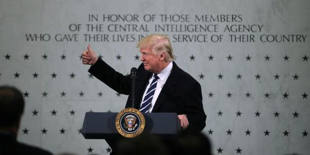 Donald Trump donne un discours lors d'une visite à la CIA à Langley, en Virginie, le 21 janvier.