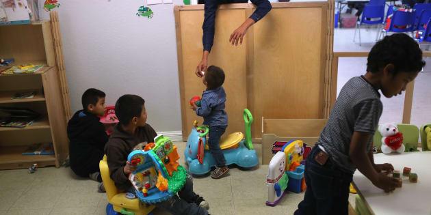 Des enfants jouant dans un centre de jour pour migrants au Texas, en février 2018.