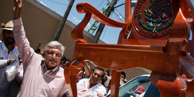 Andrés Manuel López Obrador, candidato presidencial de Juntos Haremos Historia, durante un mitin en Veracruz.