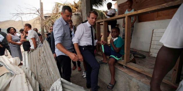 """Macron sur un """"lit de camp"""" à Saint-Martin, vraiment? L'Elysée nie tout coup de com'."""