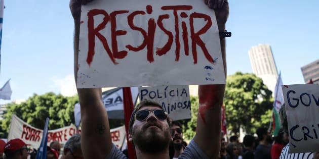 Protesto no Rio de Janeiro contra as reformas trabalhista e da Previdência.