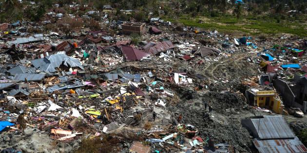 Vue aérienne prise le 7 octobre des alentours de Palu, localité de l'île des Célèbes touchée par le séisme et le tremblement de terre.