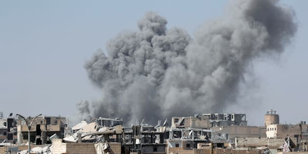 Syrie : des frappes contre un aéroport militaire causent plusieurs morts et blessés