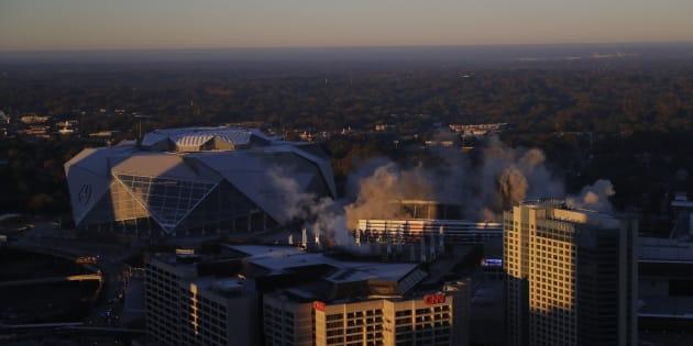 Estadio Georgia Dome, demolido en 15 segundos con explosivos