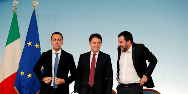 Italy's Minister of Labor and Industry Luigi Di Maio, Prime Minister Giuseppe Conte and Interior Minister Matteo Salvini leave at the end of a news conference after a cabinet meeting at Chigi Palace in Rome, Italy, October 20 2018. REUTERS/Remo Casilli