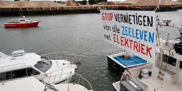 Manifestation de pêcheurs français contre la pêche électrique, pratiquée essentiellement par les Pays-Bas.