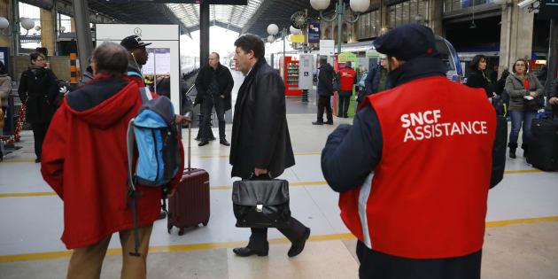 Des passagers gare du Nord à Paris le 7 décembre 2016.
