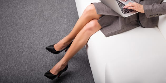 Projeto de lei quer proibir exigência de calçadosdiferentes independente de sexo, gênero ou identidade de gênero.