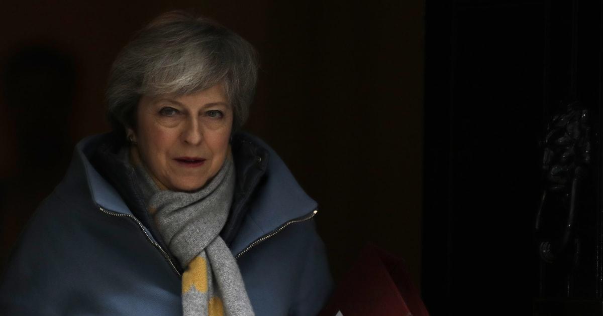 """Brexit, May scriverà a Tusk per chiedere il rinvio. Stati Ue: """"Il sì non è scontato"""""""