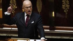 Cazeneuve obtient la confiance de l'Assemblée en étrillant