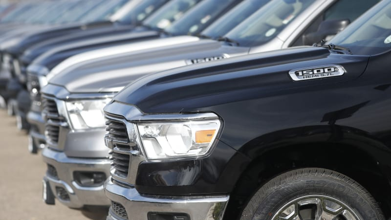 As Coronavirus Hits Sales Carmakers Offer Incentives Loan Deals Autoblog
