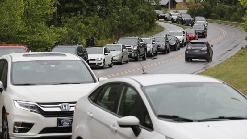 Drivers swarm gas pumps, ignore pleas to stop hoarding: 'Forget that'