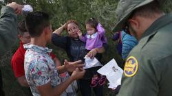 Es hora de descriminalizar la inmigración, dicen demócratas de