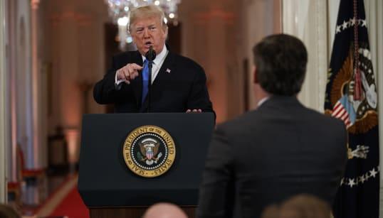 Un juge ordonne à Trump de rendre son accès au journaliste de CNN Jim