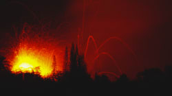 Le impressionanti immagini dell'esplosione del vulcano