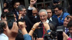 Millones de pesos desviados, una orden de aprehensión, un amparo y un rector que no