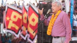 AMLO 'defiende' a Peña y critica a medios por 'proteger' imagen de