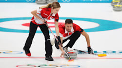 Sixième victoire de suite du Canada, qui se qualifie pour la ronde des médailles en curling