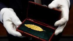 Une feuille d'or de la couronne de Napoléon Bonaparte s'arrache pour 625 000