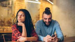 Así es como los celulares impactan en las relaciones