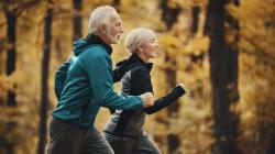 Le sport aide à lutter contre la démence, mais ne peut freiner le déclin